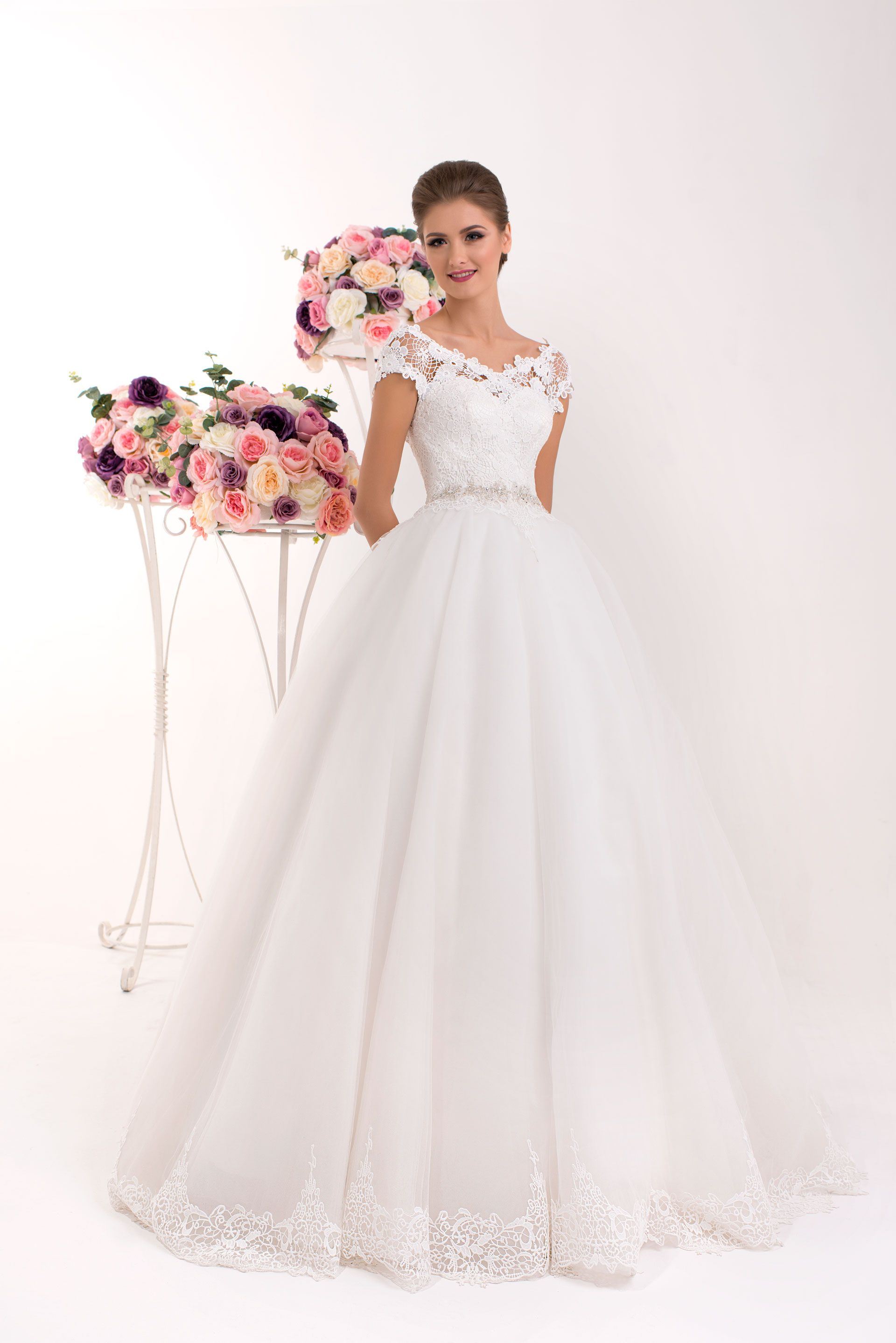 Wedding dress lany wedding gown with classic fluffy for Fluffy skirt under wedding dress